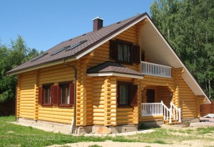Чем красить дома из бруса