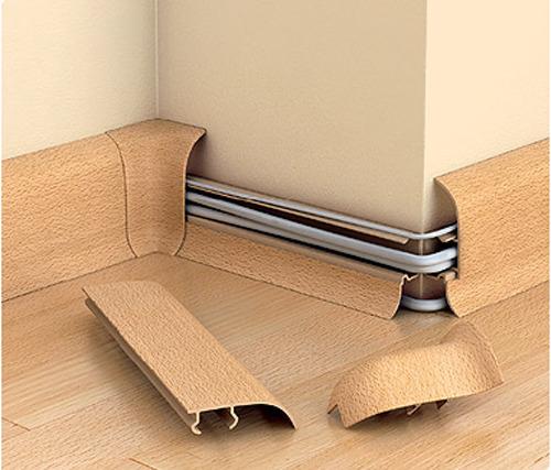 Как приделать плинтус с кабелем к стене (полу)?