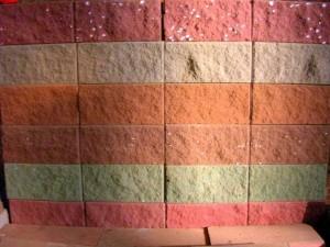 Стеновой бетонный камень
