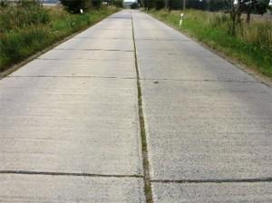 дорога из дорожных плит